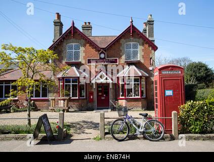 Post Office and Village store shop, Somerleyton, Suffolk, England, UK - Stock Photo