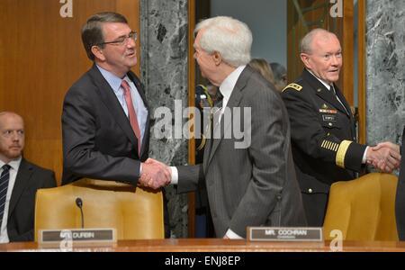 Washington, DC, USA. 06th May, 2015. US Secretary of Defense Ash Carter and Joint Chiefs Chairman General Martin - Stock Photo