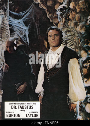 Doctor Faustus, UK, 1967, Regie: Richard Burton, Nevill Coghill, Darsteller: Richard Burton, Andreas Teuber - Stock Photo