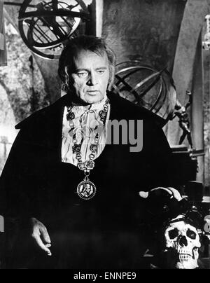 Doctor Faustus, UK, 1967, Regie: Richard Burton, Nevill Coghill, Darsteller: Richard Burton - Stock Photo