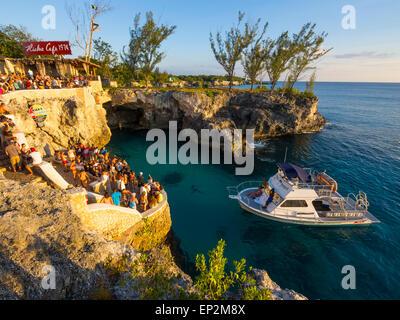 Jamaica, Negril, Rick's Cafe at the coast - Stock Photo
