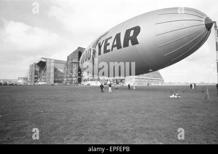 The Goodyear airship Europa seen here moored outside the giant R101 sheds at RAF Cardington formerly the Royal Airship - Stock Photo