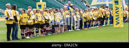 Twickenham, UK. 30th May, 2015. Aviva Premiership Final. Bath versus Saracens. More than three hundred children - Stock Photo