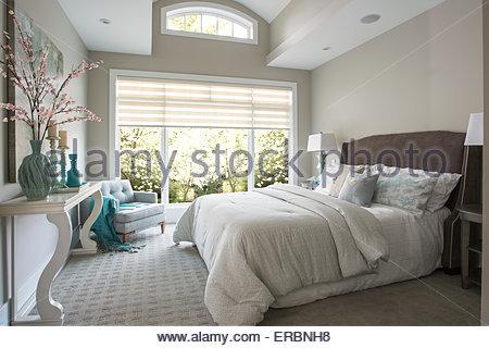 Elegant master bedroom - Stock Photo