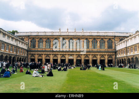 Trinity College, Cambridge University graduation picnic in the Great Court with graduate students and their families. - Stock Photo