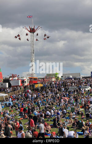 Epsom Downs Surrey UK. 6th June, 2015. Colourful scenes as thousands of race goers fill the Downs on Derby Day 2015. - Stock Photo