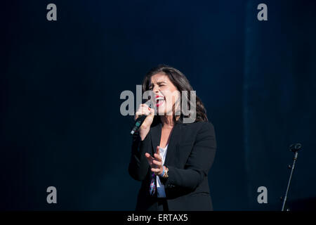 Manchester, UK. 6th June, 2015.  Jess Ware performing live on stage  at The Parklife two day festival 2015 at Heaton - Stock Photo
