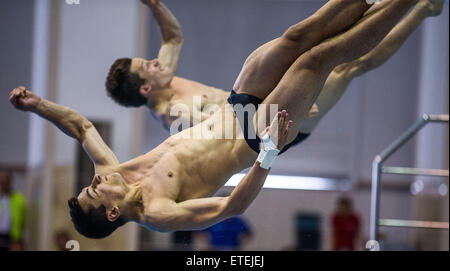 Rostock, Germany. 12th June, 2015. German divers Patrick Hausding (Back/Berlin) and Stephan Feck (Front/Leipzig) - Stock Photo