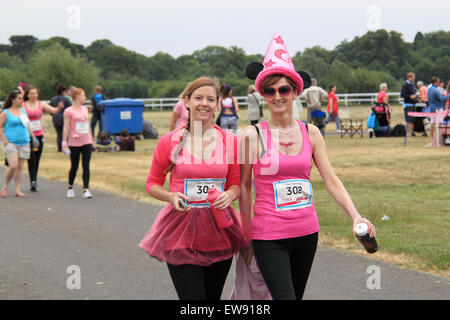 'Race for LIfe' women-only charity fundraising running event for Cancer Research UK. 20th June, 2015. Kempton Park - Stock Photo