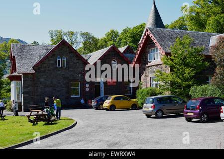 Rowardennan Youth Hostel, on the shore of Loch Lomond, Scottish Highlands. - Stock Photo