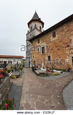 Church and cemetery at Sare / Sara a village in the Basque province of Labourd,  in the Pyrénées-Atlantiques department, - Stock Photo