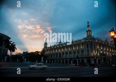 Sunset in Havana, Cuba over the Grand Theatre company building - Stock Photo
