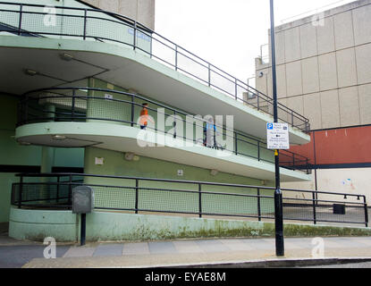 The Aylesbury Estate where it meets East Street, just off the  Walworth Road, Southwark, London. The estate is part - Stock Photo
