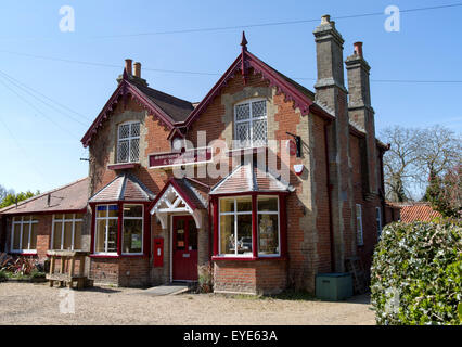 Village shop and Post Office, Somerleyton, Suffolk, England, UK - Stock Photo