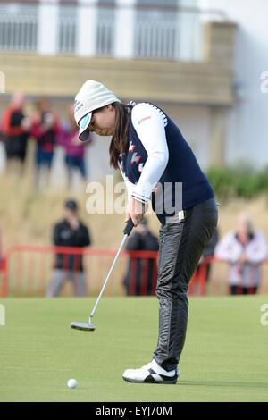Turnberry, Scotland. 30th July, 2015. Ricoh Womens British Open Golf round 1. Final putt of the day for Yumiko Yoshida - Stock Photo