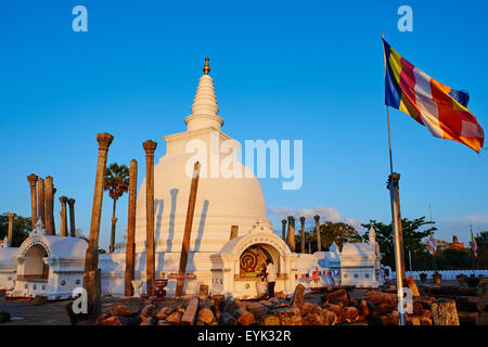 Sri Lanka, North Central Province, Anuradhapura, historic capital of Sri Lanka, UNESCO World Heritage Site, Thuparama - Stock Photo