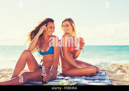 Summer Lifestyle, Girls Day at the Beach. Friends Hanging out at the Beach at Sunset. Happy Carefree Lifestyle - Stock Photo