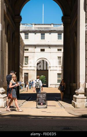 London Southbank Greenwich University built Sir Christopher Wren & Nicholas Hawksmoor arch Admiral's House - King - Stock Photo