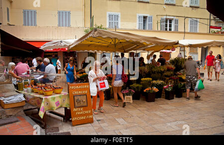 St Tropez harbour fruit market cote d azur France - Stock Photo