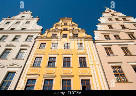 Houses dating from the 13th century in the medieval market square of the Rynek in Wroclaw, Poland. - Stock Photo