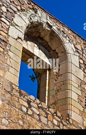 Window of the 16th century CONVENT and BASILICA of CUILAPAN the former Monastery of Santiago Apostol - CUILAPAN - Stock Photo