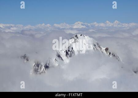 Georgia, Greater Caucasus, Mtskheta-Mtianeti, Mount Kazbek, view from Mount Kazbek summit at 5047m, Mount Elbrus - Stock Photo