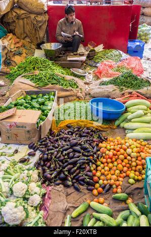 India, Rajasthan state, Jaipur, Chandi Ki Taksal vegetable market - Stock Photo