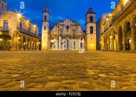 Cuba, Ciudad de la Habana province, La Havana, La Habana Vieja district listed as World Heritage, Cathedral square - Stock Photo