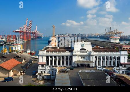 Sri Lanka, Western Province, Colombo District, Colombo, the commercial port, port authority building - Stock Photo