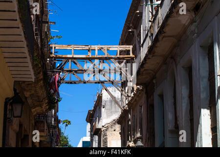 Caribbean Cuba Havana maintenance of downtown - Stock Photo