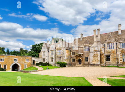 The courtyard and entrance to Rockingham Castle, near Corby, Northamptonshire, England, UK - Stock Photo