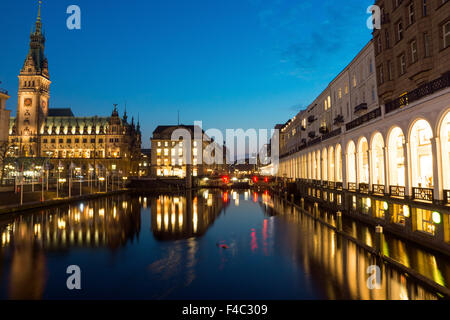 Alsterfleet and townhall at night - Stock Photo