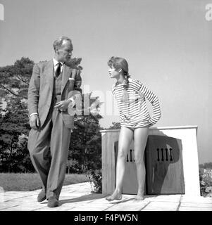 Bernard Lancret and Brigitte Bardot / Naughty Girl / 1955 directed by Michel Boisrond [Comacico / Sofradis / Lutetia] - Stock Photo