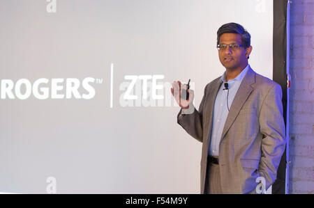 (151027) -- TORONTO, Oct. 27, 2015 (Xinhua) -- Raj Doshi, executive vice president of Canadian Wireless Consumer - Stock Photo