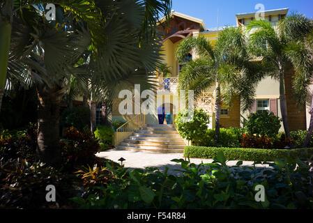 Luxury, stylish, winter home with sundeck and palm trees on Captiva Island in Florida, USA - Stock Photo