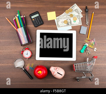 Shopping cart with tablet - Stock Photo