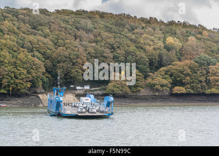 King Harry Ferry crossing the River Fal in Cornwall - Stock Photo