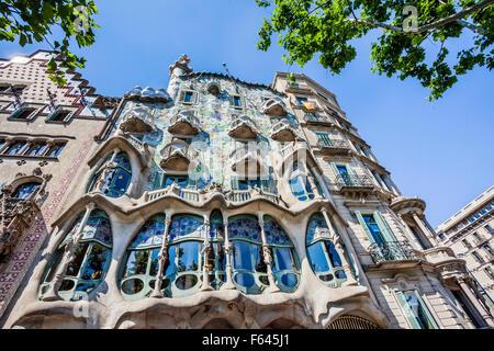 Spain, Catatonia, Barcelona, Casa Batlló at Passeig de Gràcia, redesigned in 1904 by Antoni Gaudi - Stock Photo