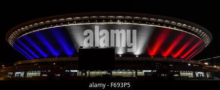Katowice, Poland. 14th November, 2015. 'Je suis Parisien' lights at Voivodeship Sport and Show Arena called Spodek, - Stock Photo