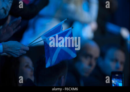 O2 arena, London, UK. 16th November, 2015. Barclays ATP World Tour Finals Tennis 2015. Andy Murray fans arrive for - Stock Photo