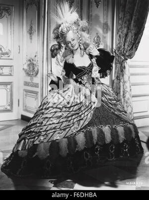 RELEASED: Aug 26, 1938 - Original Film Title: Marie Antoinette. PICTURED: NORMA SHEARER. - Stock Photo