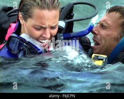 Oct 26, 2003; NASSAU, BAHAMAS;Actors BLANCHARD RYAN as Susan and DANIEL TRAVIS as Daniel in the thriller 'Open Water.' - Stock Photo