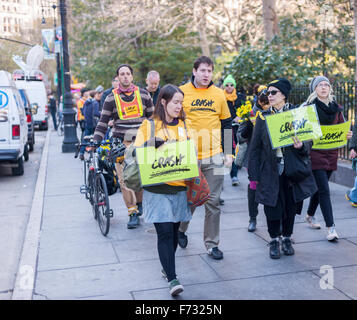 New Yorkers march from City Hall Park on Sunday, November 15, 2015 for the World Day of Remembrance for Road Traffic - Stock Photo