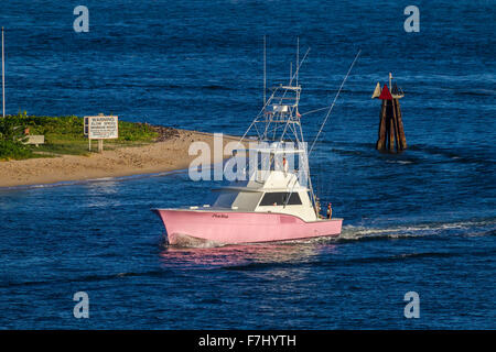 Pink fishing boat entering Port Everglades, Fort Lauderdale, Florida, U.S.A. - Stock Photo