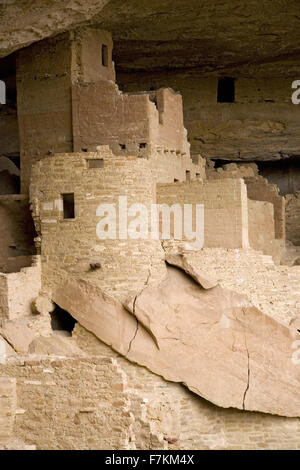 Cliff Palace cliff dwelling Indian ruin, the largest in North America, Mesa Verde National Park, Southwestern Colorado - Stock Photo