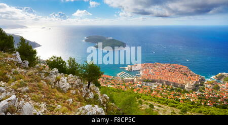 Elevated view to Dubrovnik old town, Croatia - Stock Photo