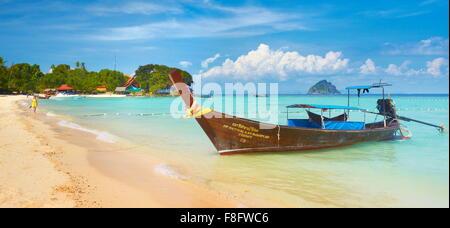 Tropical beach, Phi Phi Island, Thailand - Stock Photo