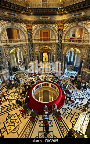 The atmospheric café of the Art History museum ('Kunsthistorisches Museum'), Vienna, Austria. - Stock Photo