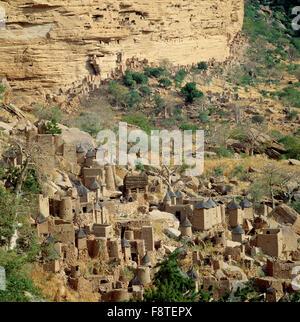 Old Granaries in Dogon village Banani. - Stock Photo
