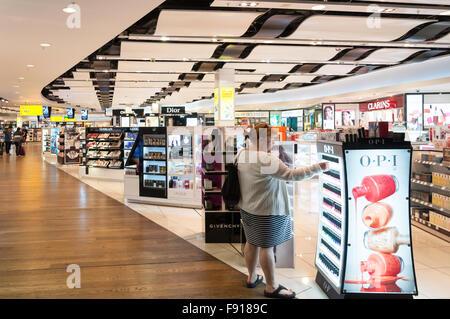 Duty Free shop at Terminal 3, Heathrow Airport. London Borough of Hounslow, Greater London, England, United Kingdom - Stock Photo